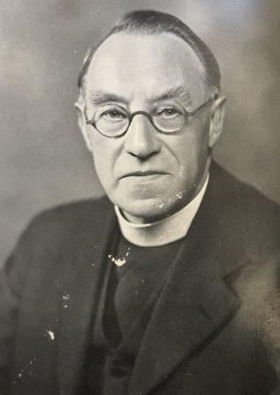 Rev Henry Carter