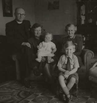 Rev. George Wishart Andersen and family - Handsworth Theological College