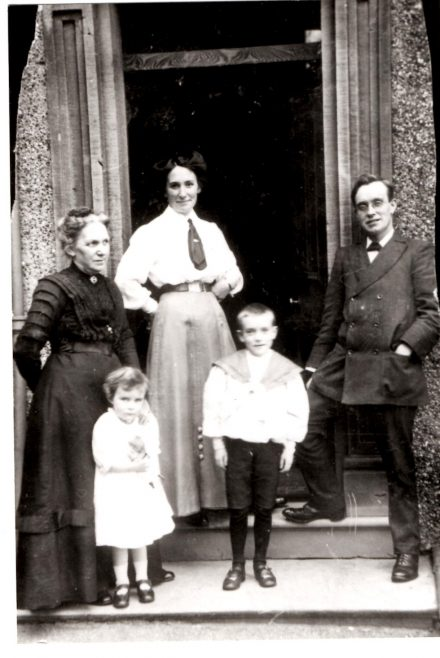 The Utting family with Charlotte Gaze (Florence's mother) 1910