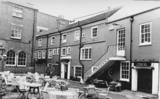Lamb Inn Yard