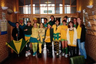 Squash Circa 1993                        Front row includes L to R: Graeme McCullock, Andrew Willock, ? , Mark Killick, Douglas Willock, James London, Matthew Willock  Front Row: includes Katie Ash, Jennie Harrison | Andrew Willock (click to enlarge)